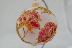 KOLEKCJA KWIATOWA Christmas Balls, Christmas Ornaments, Bulb, Holiday Decor, Home Decor, Christmas Baubles, Decoration Home, Room Decor, Christmas Jewelry