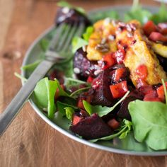 A winter warmer but on the lighter side. Roast beetroot, rocket and spiced haloumi salad with tamarillo dressing. Recipe from Nadia Lim THE GOOD FOOD COOK. A NZ Dietitian doing amazing things Wine Recipes, Whole Food Recipes, Salad Recipes, Cooking Recipes, Vegetarian Recipes, Healthy Recipes, Vegetarian Salad, Healthy Food, Yummy Food
