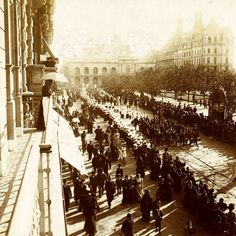 1890's Bs As procesión y vista del Cabildo anterior a la demolición parcial de su ala derecha