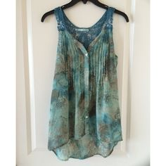 Selling this Flowing top in my Poshmark closet! My username is: btinsley96. #shopmycloset #poshmark #fashion #shopping #style #forsale #Maurices #Tops