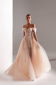 Bridesmaid Dresses, Prom Dresses, Formal Dresses, Wedding Dresses, Formal Wear, Lace Wedding, Pretty Dresses, Beautiful Dresses, One Shoulder Wedding Dress