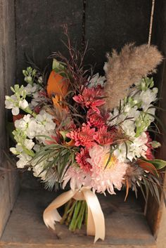 Bridesmaid bouquet in early November
