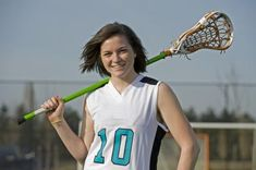 Coaching middle school girls to play lacrosse takes a sound knowledge of the game and more than a little creativity, as young players tend to get bored. Soccer Memes, Softball Quotes, Softball Problems, Stock Photo Girl, Lacrosse Sticks, Soccer Coaching, Senior Girls, Girls Lacrosse