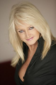Bonnie Tyler... Country Music Hits, 1980s Hair, Ronnie Spector, Pop Rock Music, Latest Hits, Bonnie Tyler, Women Of Rock, Famous Women, Female Singers