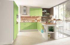 Küchen-moderne-mit-lila-hochglanz-küchenmöbel-installation-im-weiß ...