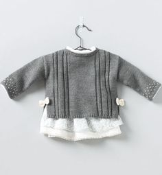 ideas crochet baby girl layette sweaters for 2019 Knitting For Kids, Baby Knitting Patterns, Baby Patterns, Summer Knitting, Dress Patterns, Knit Baby Sweaters, Girls Sweaters, Knitting Sweaters, Baby Cardigan