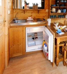Tiny House Blog , Archive Les Roulottes de Campagne. Faucet in corner.