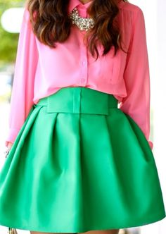Pink and green. - yes pink and green color blocking done right. Estilo Fashion, Love Fashion, Ideias Fashion, Preppy Fashion, Skirt Fashion, High Fashion, Fashion Ideas, Fashion Shoes, Preppy Mode