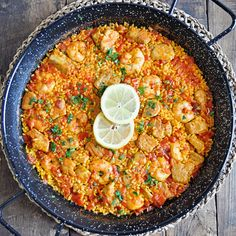 Paella with Tuna & Shrimp. How to Make an Authentic Spanish Paella with Tuna & Shrimp Seafood Recipes, My Recipes, Dinner Recipes, Cooking Recipes, Healthy Recipes, Favorite Recipes, Healthy Food, Health Dinner, Dinner Healthy