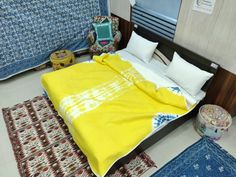 Yellow and Blue Shibori Bed Sheet King Sheets, Bed Sheets, Bed Sets For Sale, Silk Bedding, Best Bedding Sets, Bed Linen Design, Cool Beds, Bed Covers, California King