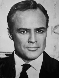 A biography and filmography of Marlon Brando, the most influential actor of the last 50 years and often described as the greatest ever actor in Hollywood history. Marlon Brando, Famous Men, Famous Faces, Famous People, Hollywood Stars, Classic Hollywood, Old Hollywood, Hollywood Glamour, 1940s Hairstyles Short
