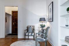 #styling #homestyling #hallway #hall Styling av fin 2:a med bästa läge på Östermalm | Move2