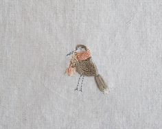 bordados: bordado a mano // handmade embroidery - pajaro