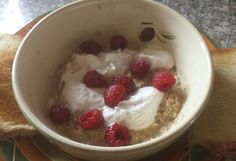 Outlanderday breakfast of Parritch with raspberries and cream!