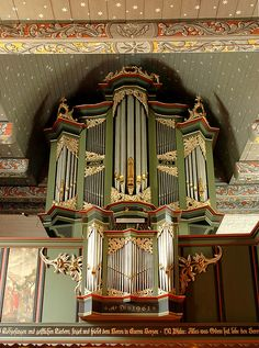 Love this entire look in the Evangelical Church St Bartholomew, Tossens, Wesermarsch, Germany. This organ was built in 1815, added to in 1963, both times using parts of the original organ of 1660.