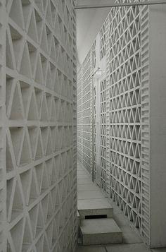 23.#white #wall #texture White brick pattern.