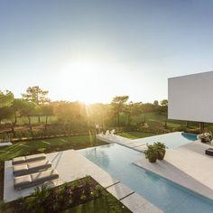 Visioarq designs dreamy seaside escape, QL House