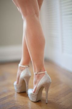 It's Shoe-Time!: How to Buy Wedding Shoes - Wedding Party