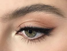 27 trendy makeup looks glam winged eyeliner Makeup Goals, Makeup Inspo, Makeup Inspiration, Makeup Ideas, Makeup Hacks, Hair Hacks, Makeup Style, Best Makeup Tips, Nail Ideas