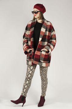 Botines de color burdeos con elástico y tacón fino. Hipster, Style, Fashion, Blue Ankle Boots, Women's Booties, Winter, Colors, Swag, Moda