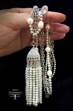 Серебристо- лунный сотуар с кистью из жемчуга Сваровски «Самарканд», жемчуг Сваровски, жемчуг натуральный Барочный, фурнитура серебрение, родий, ручное патирование, дополнительное лаковое покрытие. Pearl Necklace, Drop Earrings, Pearls, Jewelry, Jewellery Making, String Of Pearls, Jewerly, Jewelery
