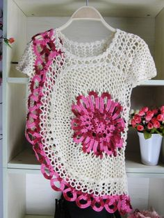 crochet lace beauty dress for girl - crafts ideas - crafts for kids Crochet Diagram, Crochet Motif, Crochet Lace, Crochet Tops, Diy Crafts Crochet, Crochet Projects, Hairpin Lace, Crochet Poncho, Crochet Sweaters