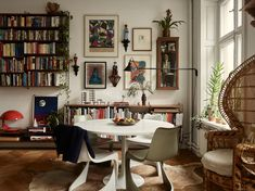 The Nordroom – A Small Vintage Bohemian Apartment in Stockholm - Vintage Bohemian Home Interior Simple, Home Interior, Interior Design, Bohemian Apartment, Bohemian Interior, Vintage Apartment Decor, Bohemian Homes, Bohemian Design, Small Apartment Decorating