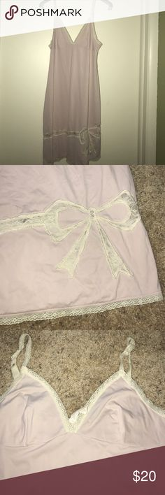 Eloise dress Slip pajama bow Lace Trim v neck pink From Anthropologie. In great condition. Lace trim. There is a bow on front. Nylon spandex mix. Now the color is a pink purple color. To me it is. Somewhere around there Anthropologie Intimates & Sleepwear Chemises & Slips