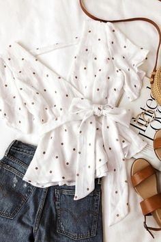 Artemis White and Tan Polka Dot Peplum Top 5 Cute Summer Outfits, Spring Outfits, Trendy Outfits, Cute Outfits, Fashion Outfits, Fashion Trends, Looks Chic, Casual Looks, Classy Casual