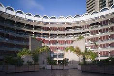 On the market: Apartment in Frobisher Crescent on the Chamberlin, Powell & Bon-designed Barbican Estate, London - WowHaus Barrel Vault Ceiling, One Bedroom Flat, Barbican, Open Plan Living, Modern Minimalist, London, Mansions, Architecture, House Styles
