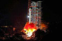 China launched its Chang'e 4 mission to the far side of the moon on Dec. China is the first country ever to send a rover to the lunar farside. See the mission photos here! Chongqing, Long March 5, China Moon, Physics World, Lunar Lander, Arms Race, Moon Missions, Planetary Science, Space Race