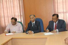 Left to Right: Mr. Pradip Chopra (Chairman, iLEAD), Prof. Dr. AAMS Arefin Siddique (Vice-Chancellor, Dhaka University) and Prof. Dr. Md. Kamal Uddin (Treasurer of Dhaka University)