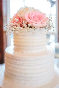 Pretty Woodland Wedding in Cherokee National Forest - Mountainside Bride Forest Wedding, Woodland Wedding, Wedding Cake Roses, Wedding Cakes, Perfect Wedding, Dream Wedding, Sweet 16 Parties, Colorful Cakes, Pretty Cakes