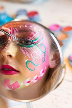 painting face easy halloween ideas New painting face easy halloween ideasNew painting face easy halloween ideas Make Makeup, Party Makeup, Makeup Art, Bohemian Face Paint, Body Painting Festival, Festival Makeup Glitter, Body Adornment, Makeup Videos, Easy Halloween