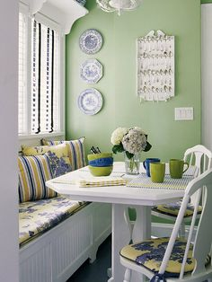 yellow and blue color schemes | ... color window treaments and seat white spoon rackgreen blue yellow and