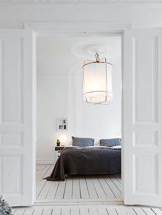 de fragiele, transparante ontwerpen gemaakt van rustieke, natuurlijke materialen  , ay illuminate