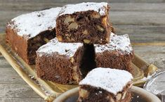 Brownie with a banana is a very harmonious combination. I wanted to add more pieces of white chocolate and nuts would be welcome. Chocolates, Cooking Time, Cooking Recipes, Cooking Food, Musaka, Polish Recipes, Healthy Dishes, Learn To Cook, Cakes And More