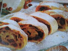 Obuolinis štrudelis Lithuanian Recipes, Bread, Food, Breads, Bakeries, Meals