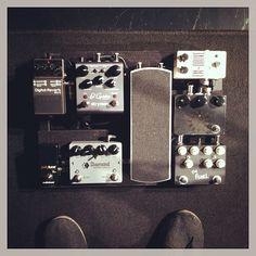 @clintledford's super simple pedal board setup.