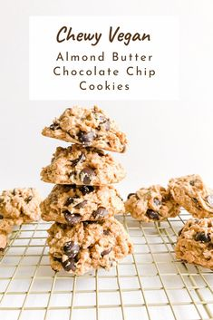 These Chewy Oatmeal Chocolate Chip Almond Butter Cookies are vegan, gluten-free, and refined sugar-free! They're gooey, chewy and so easy to whip up for a yummy, yet healthy treat. Grab the full recipe! Almond Butter Cookies, Butter Chocolate Chip Cookies, Chocolate Chip Oatmeal, Cookies Vegan, Chocolate Desserts, Nutter Butter, Cashew Butter, Raw Desserts, Vegan Dessert Recipes