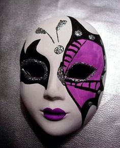 Tips How to Make Plaster Mask for Carnival - Material and Videos - zoe Yakuza Tattoo, How To Make Plaster, Aztec Mask, Gold Masquerade Mask, Venice Mask, Ceramic Mask, Mask Design, Design Art, Design Ideas