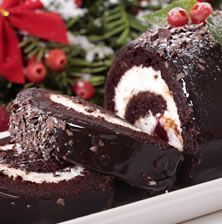Make one of the most iconic cakes of Christmas this year with this incredible recipe for a Bûche de Noël, or yule log cake. Christmas Yule Log, Christmas Desserts, Christmas Baking, French Christmas, Christmas Recipes, Christmas Dinners, Xmas Food, Christmas Chocolate, Christmas Cakes