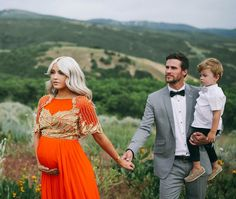 another gorgeous family shoot of Cara Loren and her family, while pregnant with her second son, Arrow. Maternity Poses, Stylish Maternity, Maternity Pictures, Maternity Dresses, Maternity Photography, Family Photography, Photography Ideas, Couple Pregnancy Photoshoot, Pregnancy Outfits