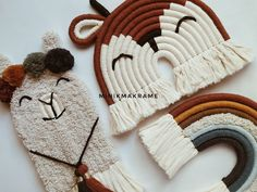 Crochet Doll Tutorial, Macrame Tutorial, Weaving Projects, Macrame Projects, Rope Crafts, Diy And Crafts, Rope Art, Macrame Patterns, Diy Canvas