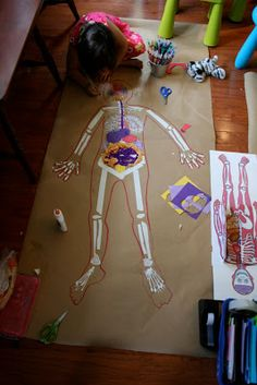 The science center wants a new exhibit on the human body. Students create a life size poster displaying the human body for the science center. Science Classroom, Science Lessons, Teaching Science, Science For Kids, Science Projects, Art For Kids, Activities For Kids, Crafts For Kids, Family Crafts