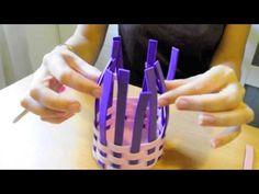 ▶ Manualidades del día de la madre: Cómo hacer una cesta con trenza de goma eva - YouTube