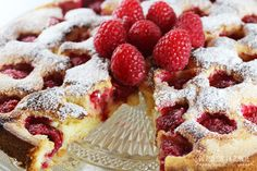 gateau framboises Waffles, Food Photography, Breakfast, Desserts, Raspberry Cake, Morning Coffee, Tailgate Desserts, Dessert, Postres