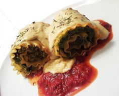 Spinach & Artichoke Lasagna Rolls with White Sauce