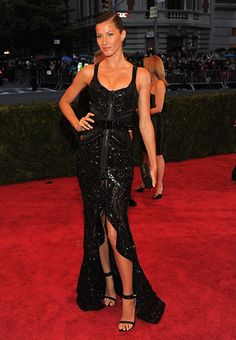Gisele Bündchen in shimmering black at the 2012 Met Gala
