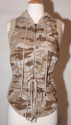efab85853d0 New DKNY Active s Womens Camouflage Cotton Sleeveless Full Zip Hooded Jacket  Top